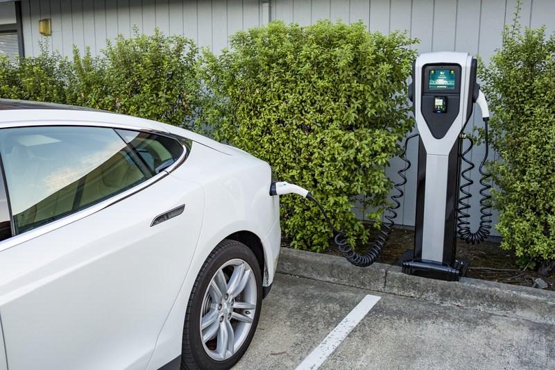 V g in california la prima batteria virtuale con migliaia di auto